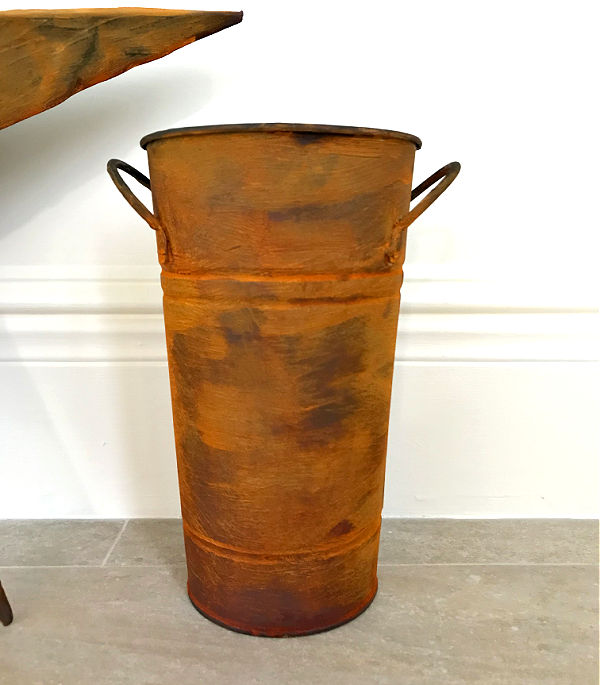 Easy DIY Rust Paint Effect to give your old Home Decor and Furniture a beautiful new look. Just paint then spray the patina, that's it!