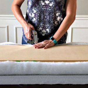 How to Make a No Sew Bench Cushion Top for your built in seating, old table, or hard top bench. Here are the easy to follow steps to upholster a board to put on top of hard seating. With a step by step video to show you how.