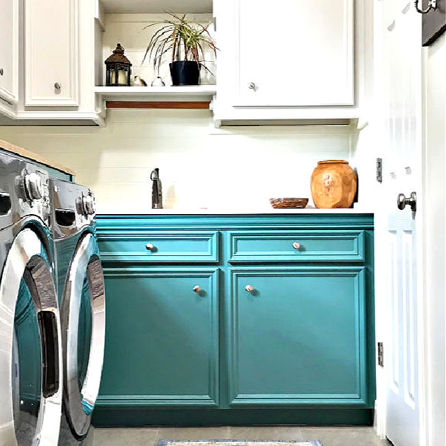 5 of the most beautiful teal paint colors on furniture. And, the easy DIY steps I use for a beautiful teal painted furniture makeover. Best teal chalk paint colors on furniture and cabinets.